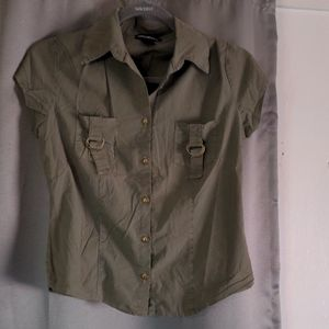 Misdemeanor button down shirt size small